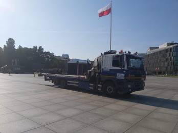 Transport Masztow Z Flaga Hds - TRAGER